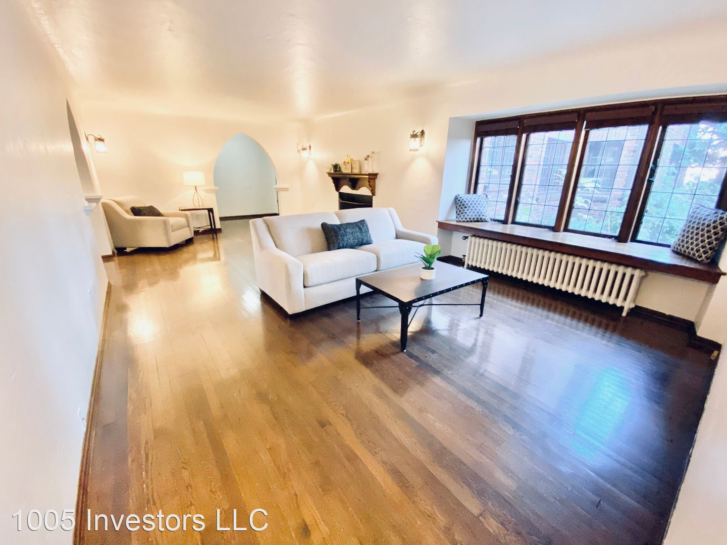 1005 E. Roy St. 1005EastRoy@northwestapartments.com
