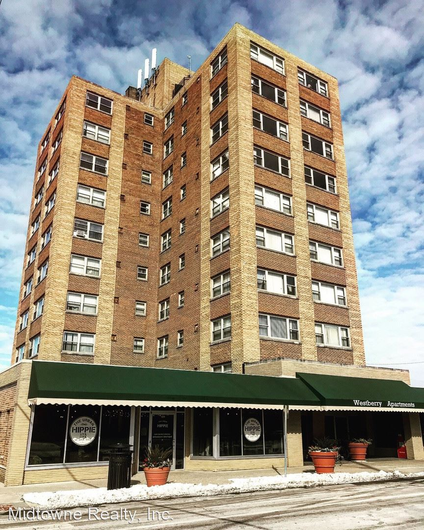 Westberry Apartments 530 W. Berry St.